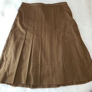 BCBG MAXAZRIA Brown Pleated Midi Skirt EUC Sz 6